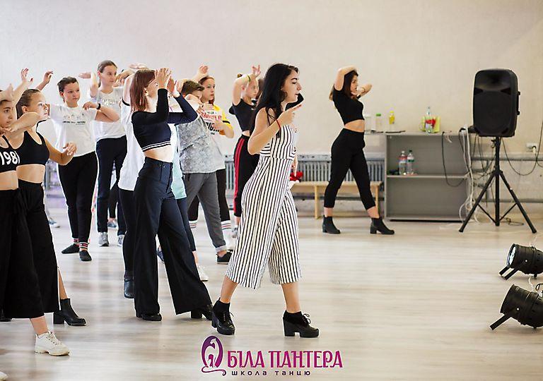dance-mk00008