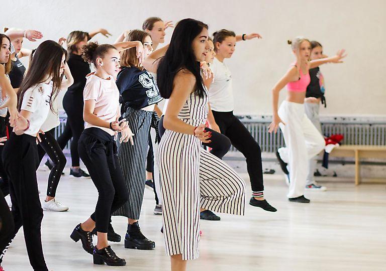 dance-mk00010