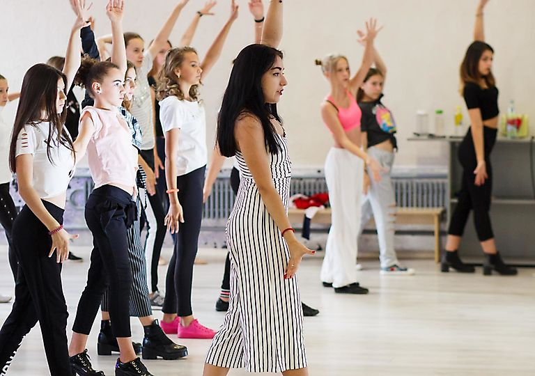 dance-mk00011