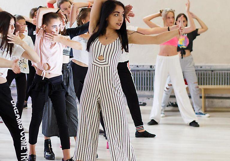 dance-mk00013