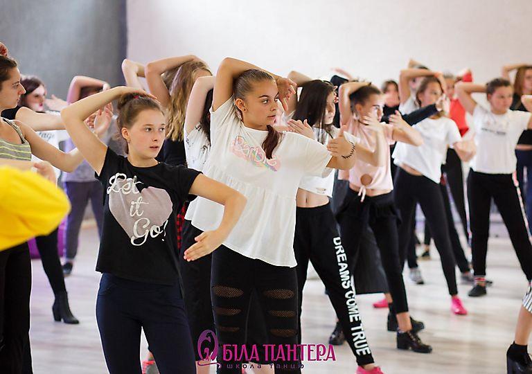 dance-mk00021