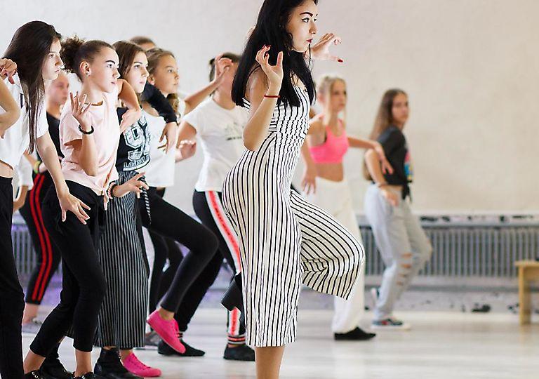 dance-mk00027