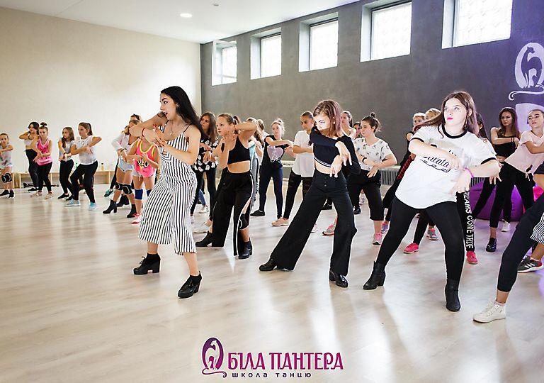 dance-mk00038