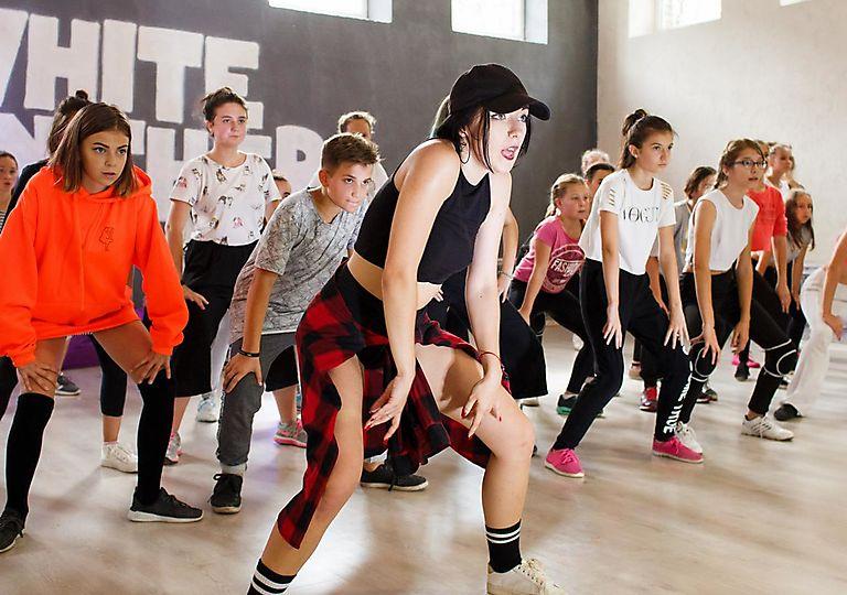 dance-mk00076
