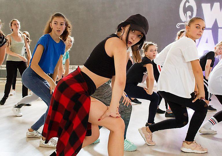 dance-mk00082