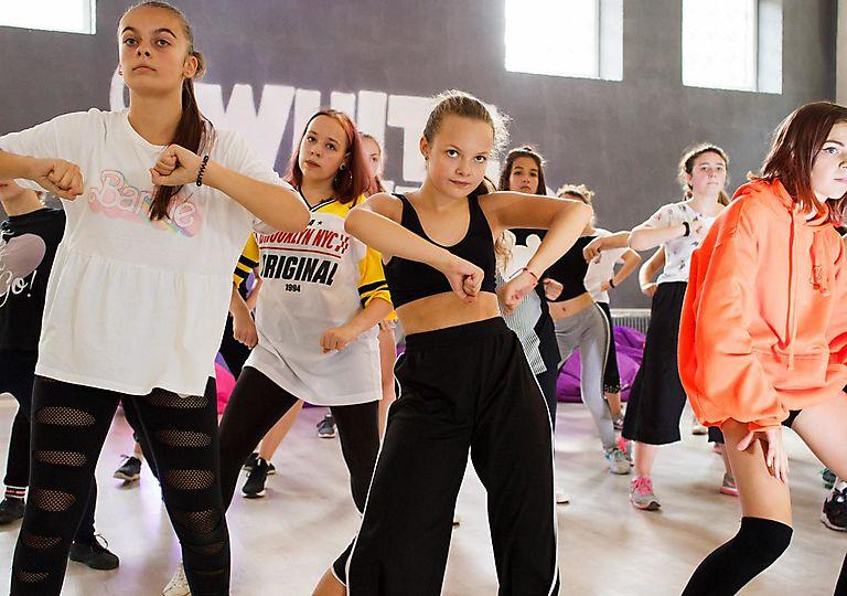 dance-mk00084