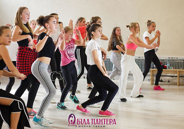 dance-mk00100