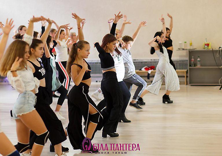 dance-mk00144