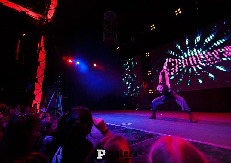 lv-dance00019