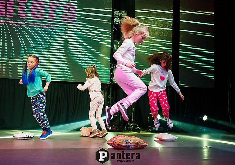 lv-dance00196