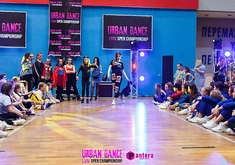 lv-urban-dance00174