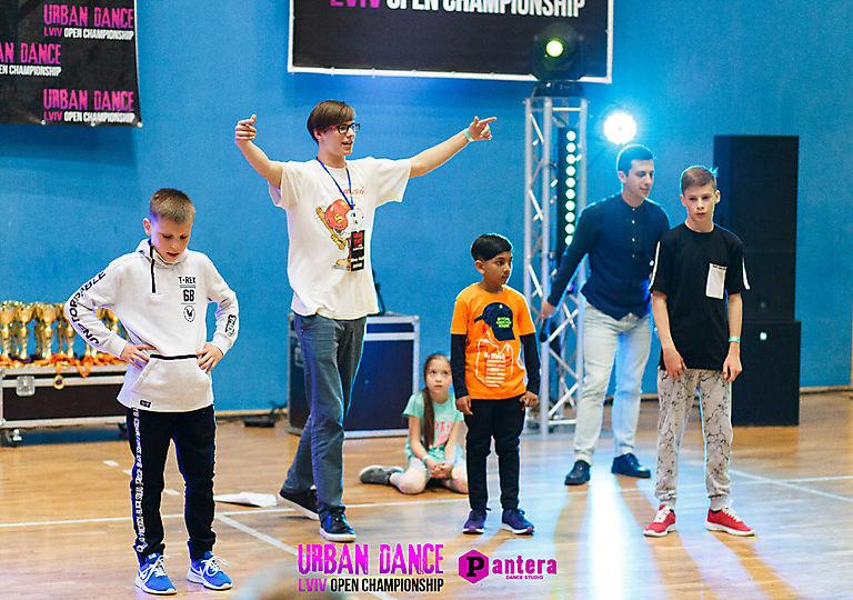 lv-urban-dance00232