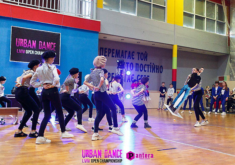 lv-urban-dance00464