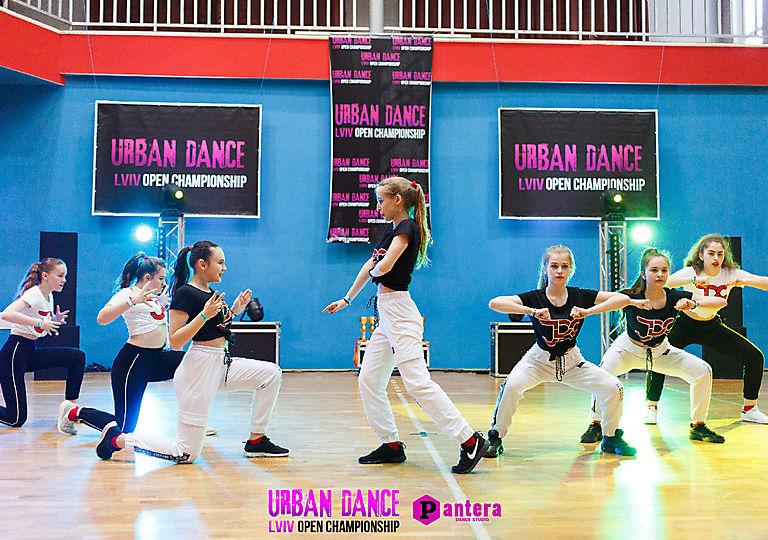 lv-urban-dance00680
