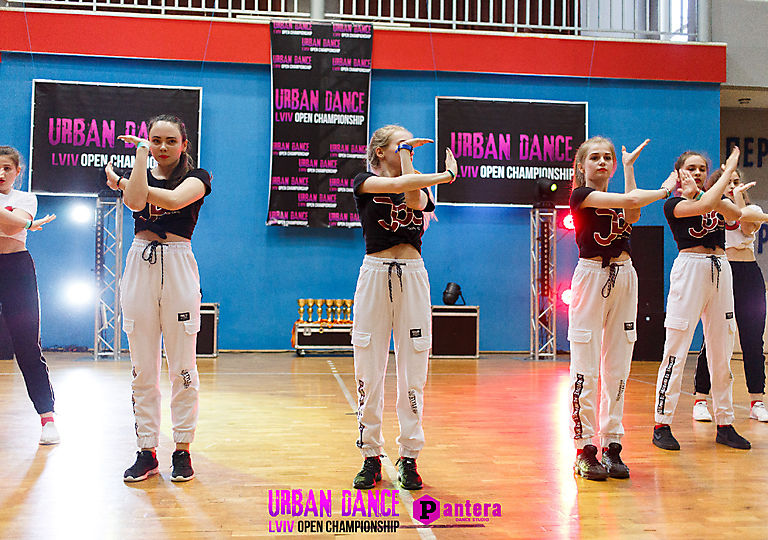 lv-urban-dance00681