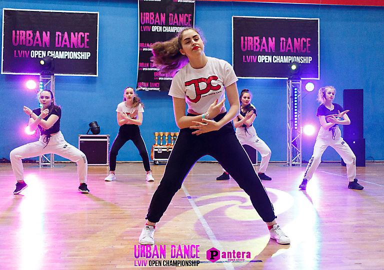 lv-urban-dance00686