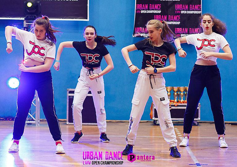 lv-urban-dance00689