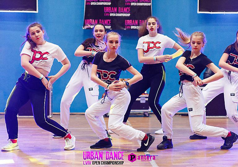 lv-urban-dance00690