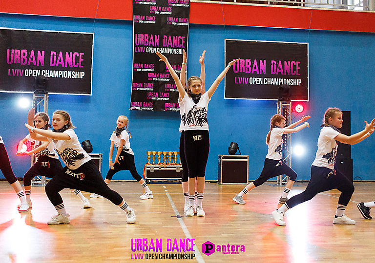 lv-urban-dance00834