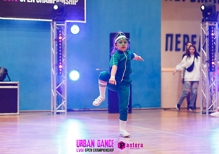 lv-urban-dance01705