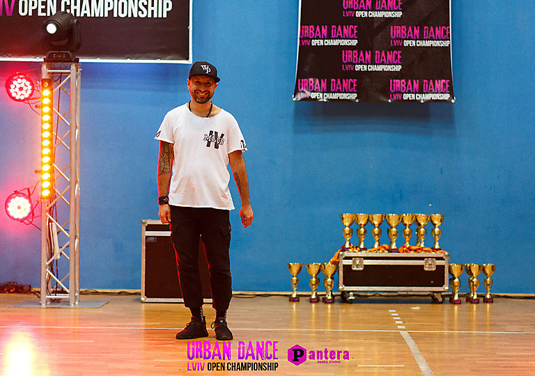 lv-urban-dance01797